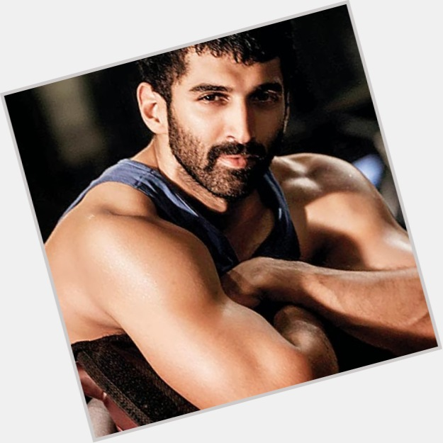 Aditya Roy Kapoor exclusive hot pic 10.jpg