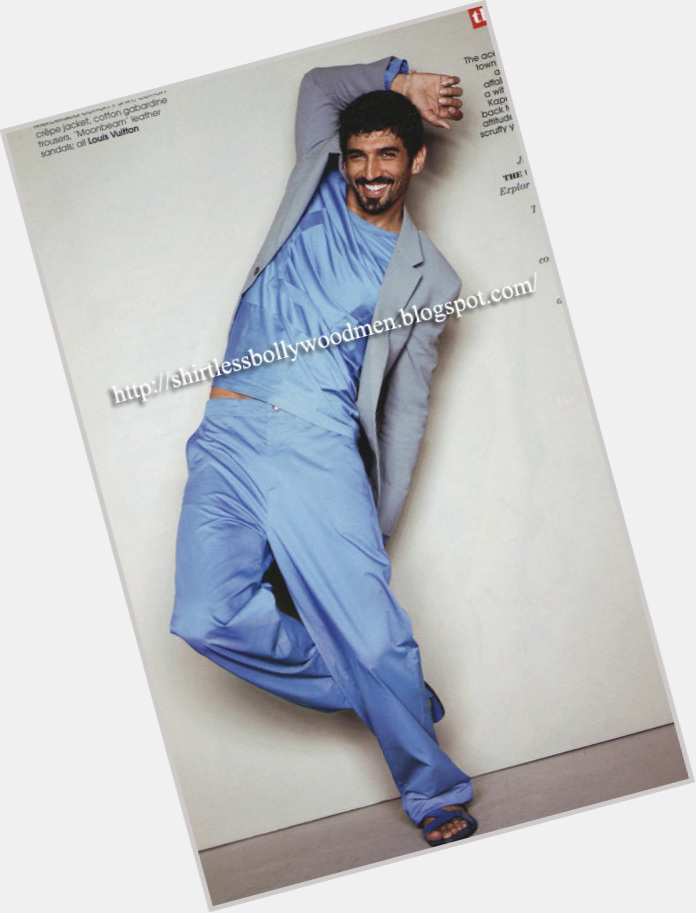 Aditya Roy Kapoor exclusive hot pic 5.jpg