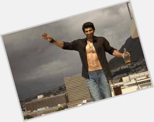 Aditya Roy Kapoor exclusive hot pic 7.jpg