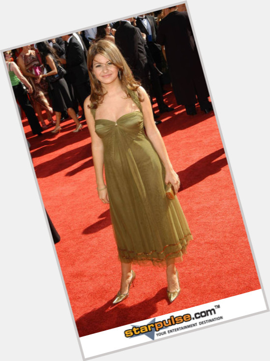 Alia Shawkat full body 5.jpg