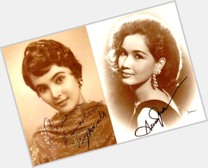 amalia men Amalia: la tragica novela de amor de una mujer enamorada / the tragic love story of a woman in love  east dane designer men's fashion: fabric sewing, quilting.