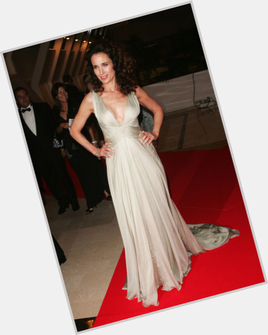 Andie Macdowell full body 3.jpg