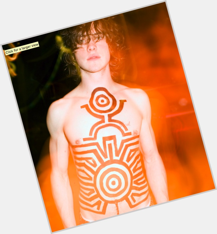 Andrew Vanwyngarden full body 11.jpg