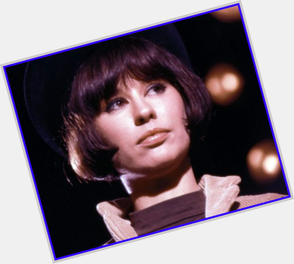 Astrud Gilberto full body 4.jpg