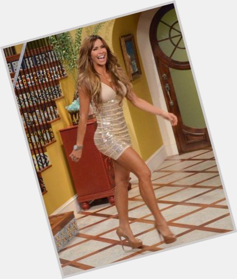 Aylin Mujica dating 10.jpg