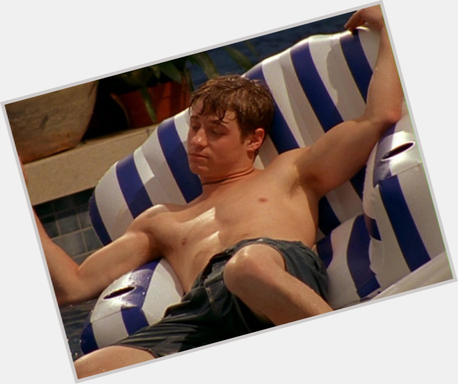 Ben Mckenzie exclusive hot pic 10.jpg