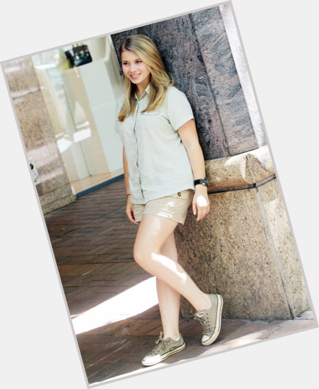 Bindi Irwin full body 2.jpg