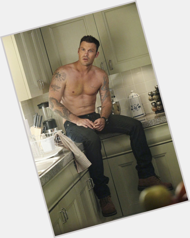 Brian Austin Green full body 5.jpg