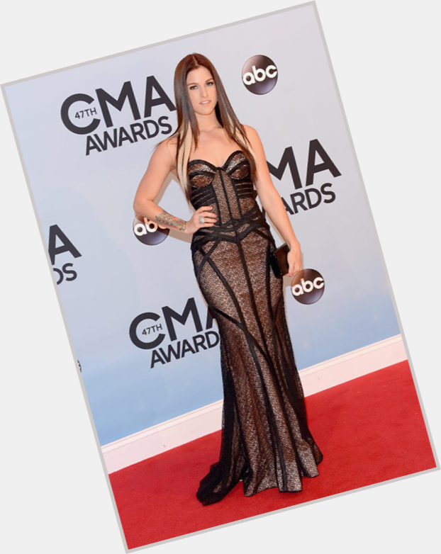 Cassadee Pope dating 11.jpg