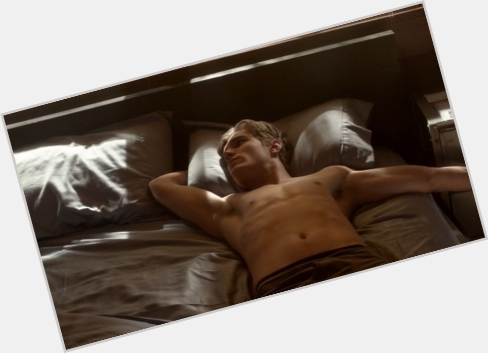 Chris Zylka exclusive hot pic 4.jpg
