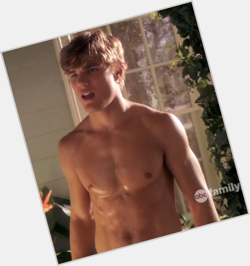 Chris Zylka new pic 3.jpg