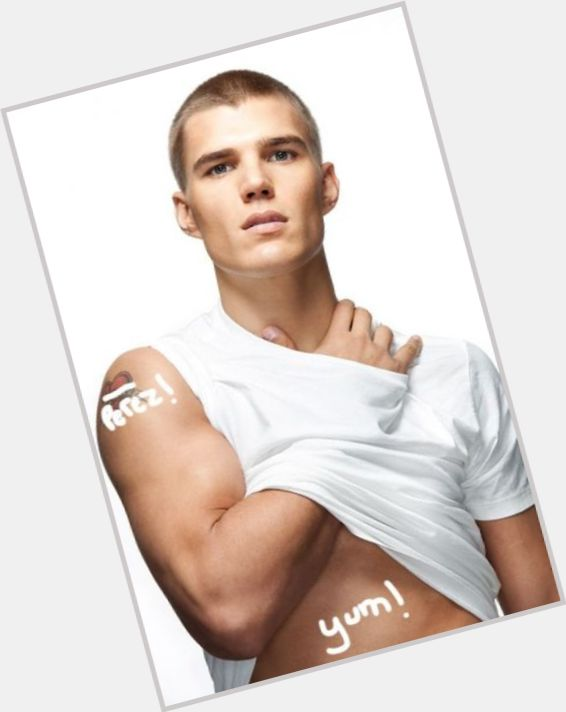 Chris Zylka new pic 6.jpg