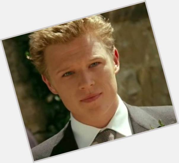 Christopher Egan body 10.jpg