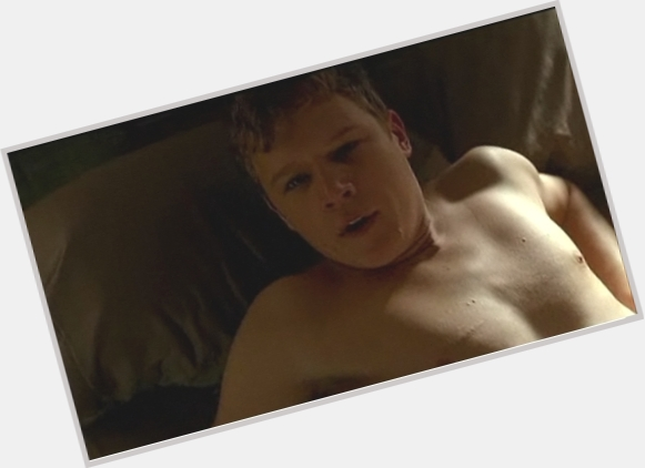 Christopher Egan full body 2.jpg