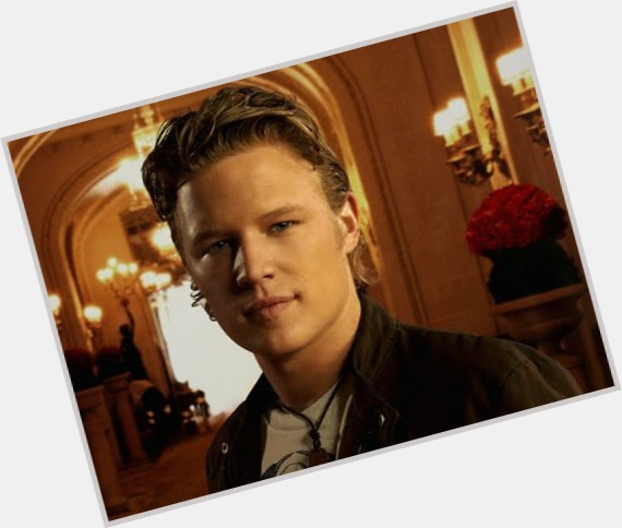 Christopher Egan sexy 8.jpg