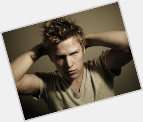 Christopher Egan sexy 9.jpg