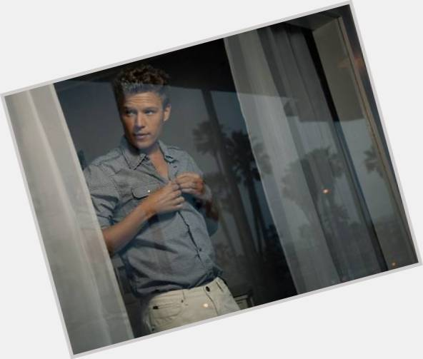 Christopher Egan young 5.jpg