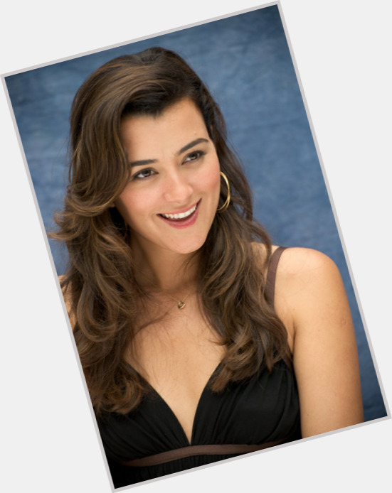 Cote De Pablo full body 11.jpg