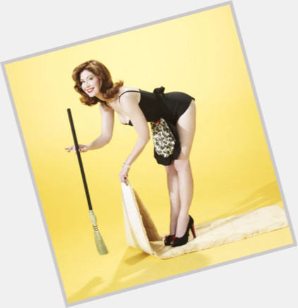 Dana Delany full body 2.jpg