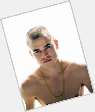 David Gallagher dating 8.jpg