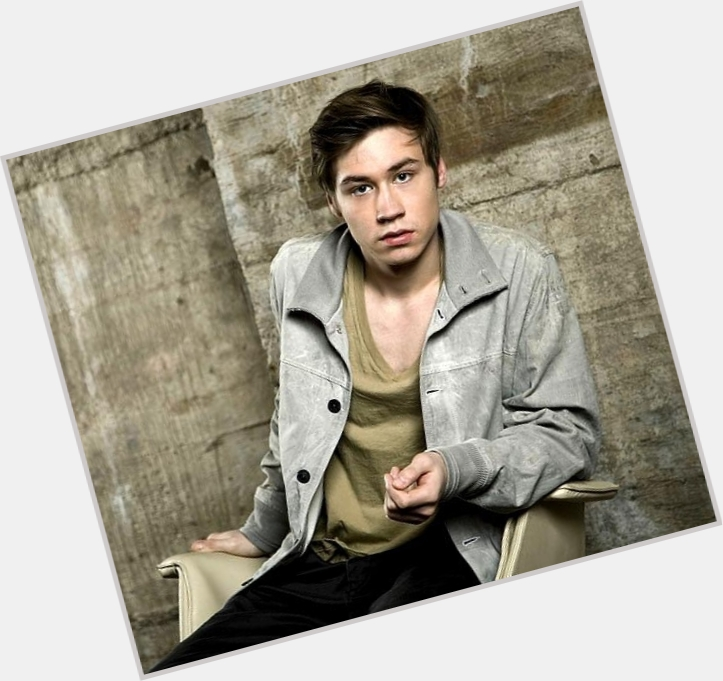 David Kross full body 9.jpg