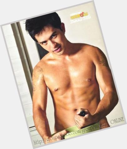 Dennis Trillo full body 4.jpg