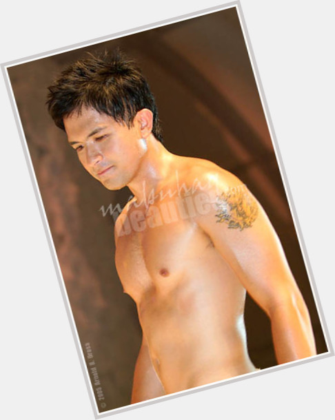 Dennis Trillo new pic 8.jpg