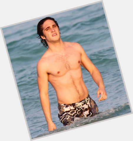 Diego Boneta full body 7.jpg