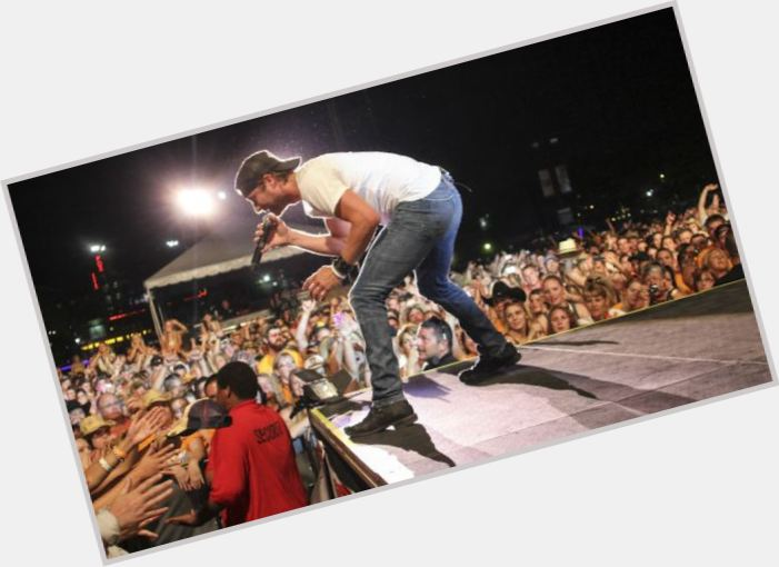 Dierks Bentley new pic 8.jpg