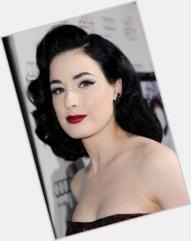 Dita Von Teese full body 0.jpg