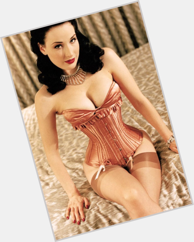 Dita Von Teese full body 9.jpg