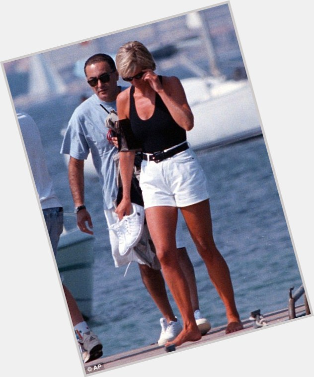 Dodi Fayed full body 4.jpg