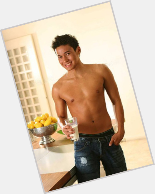 Enchong Dee new pic 10.jpg