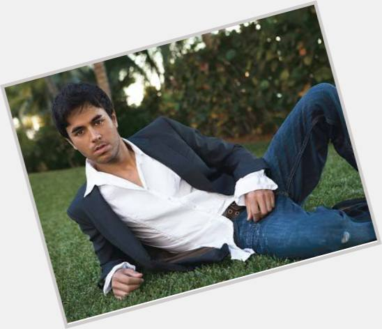 Enrique Iglesias full body 8.jpg