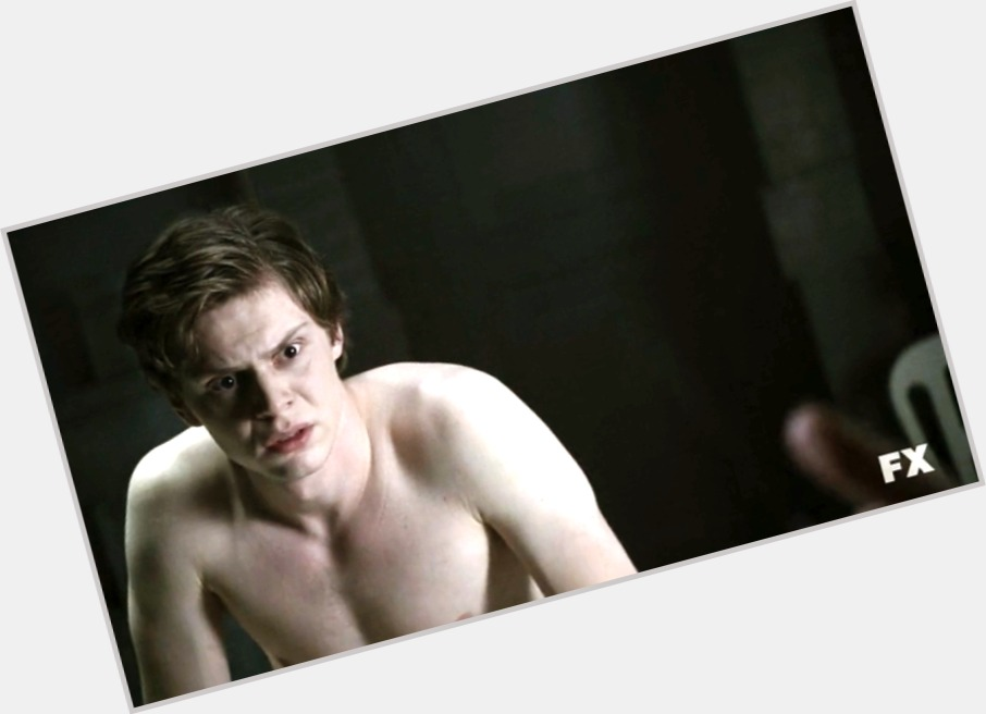 Evan Peters sexy 7.jpg