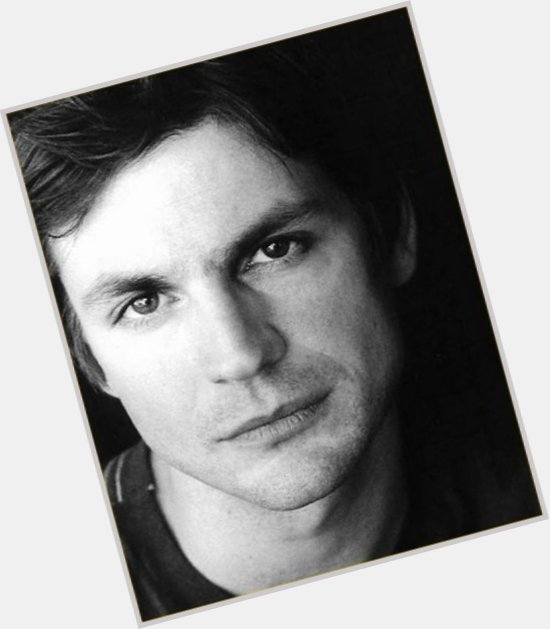 Gale Harold dating 5.jpg
