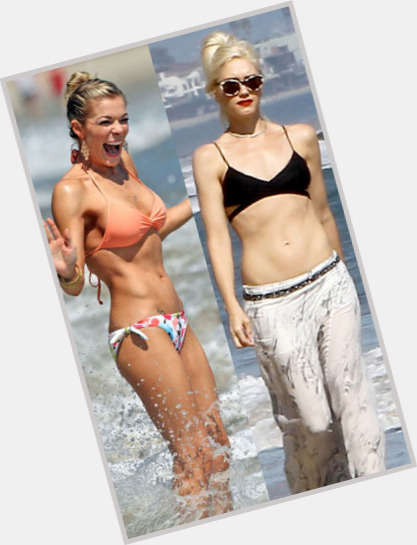 Gwen Stefani full body 9.jpg