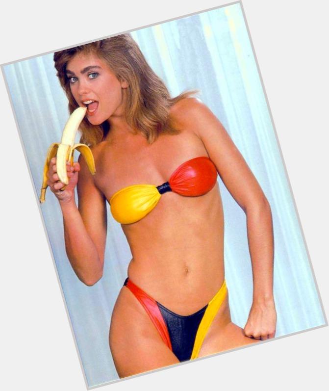 naked girl breaking her virginity