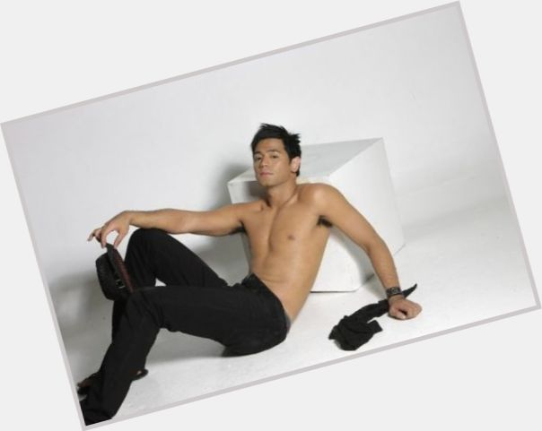 Hayden Kho full body 7.jpg