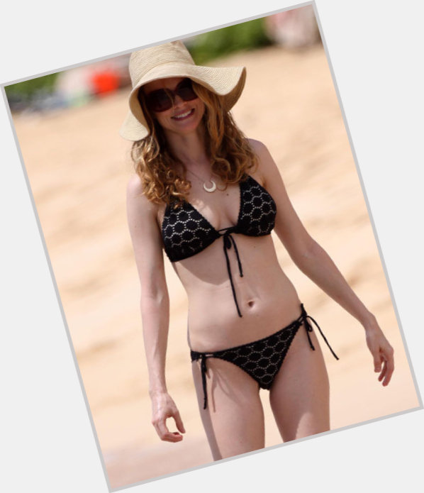 Heather Graham full body 11.jpg