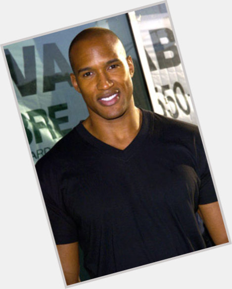 gay henry simmons