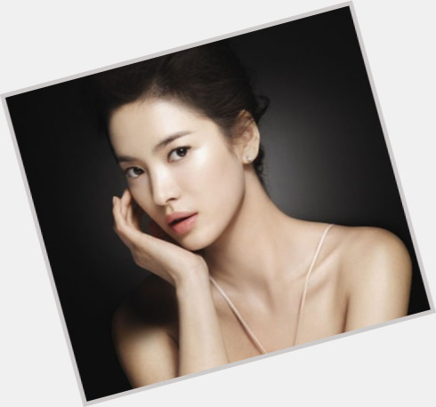 Hye Kyo Song full body 5.jpg