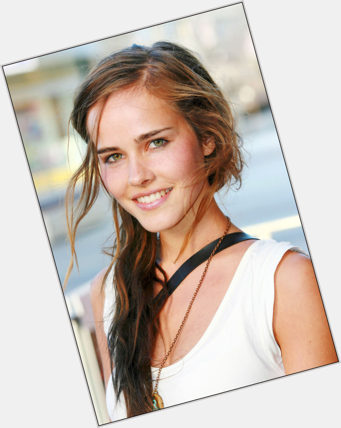 Isabel Lucas body 0.jpg