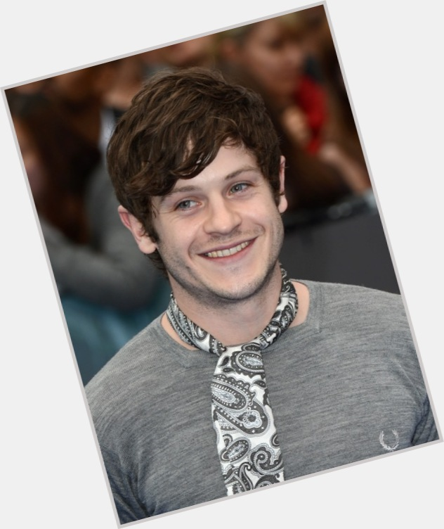 Iwan Rheon dating 5.jpg