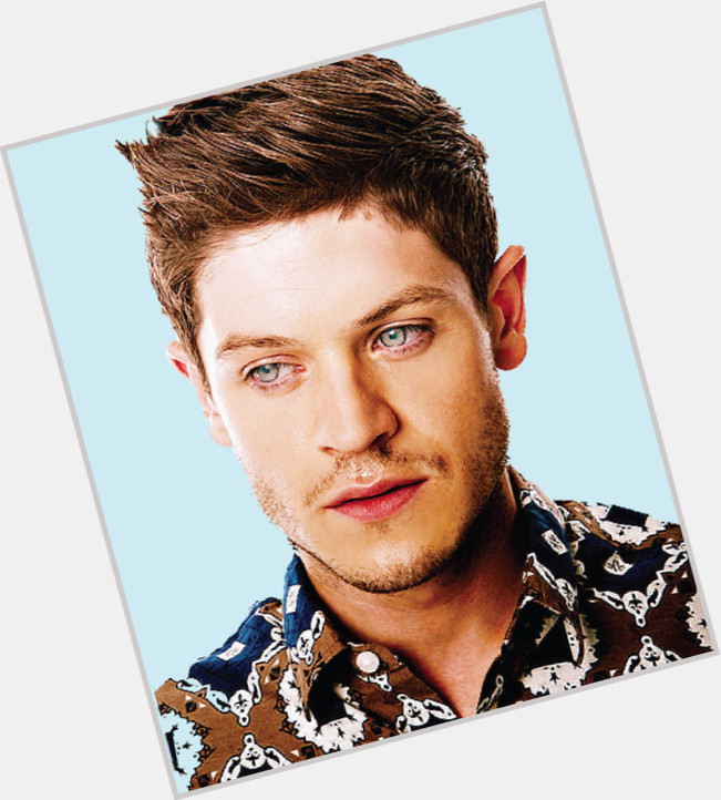 Iwan Rheon exclusive hot pic 9.jpg