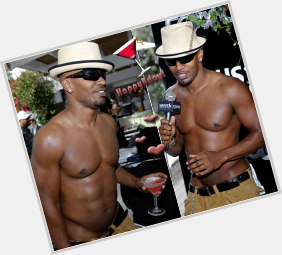 Jamie Foxx full body 3.jpg