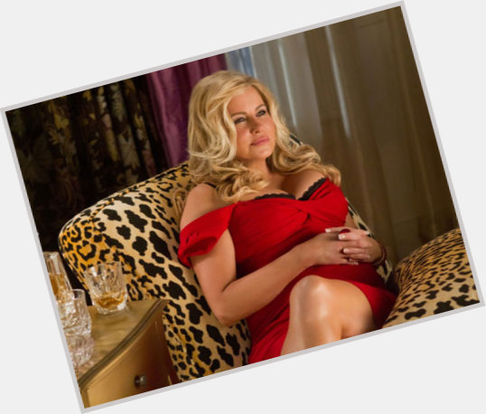 Jennifer Coolidge full body 7.jpg