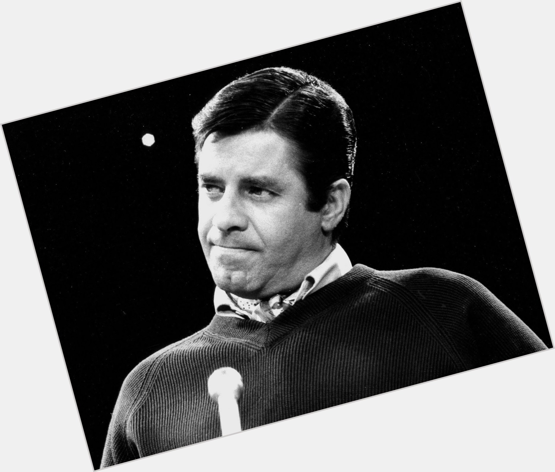 Jerry Lewis full body 8.jpg