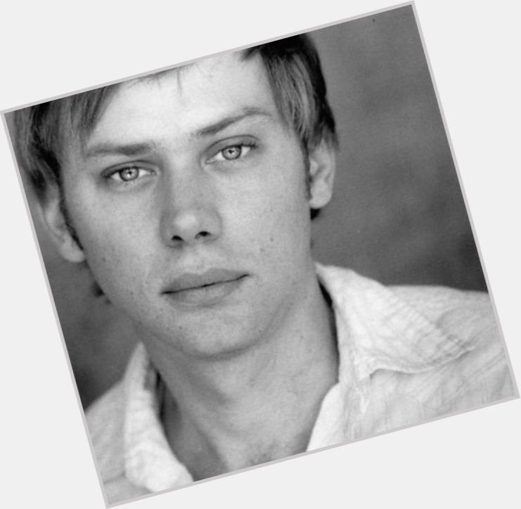 Jimmi Simpson full body 5.jpg