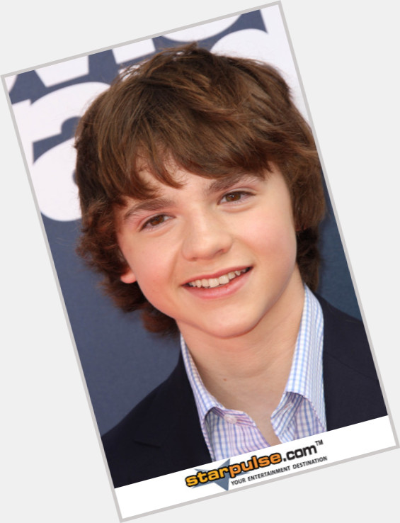Joel Courtney sexy 11.jpg